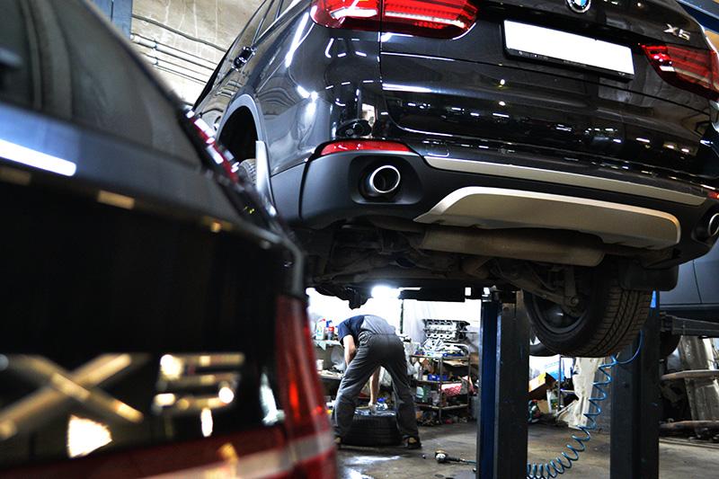 Промывка двигателя и замена масла f15 Регулировка троса ручного тормоза транзите